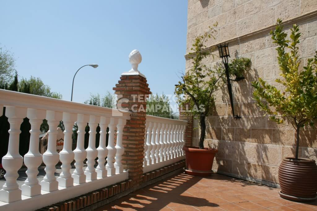 Balaustrada en piedra artificial en terrazos campanillas - Piedra artificial malaga ...