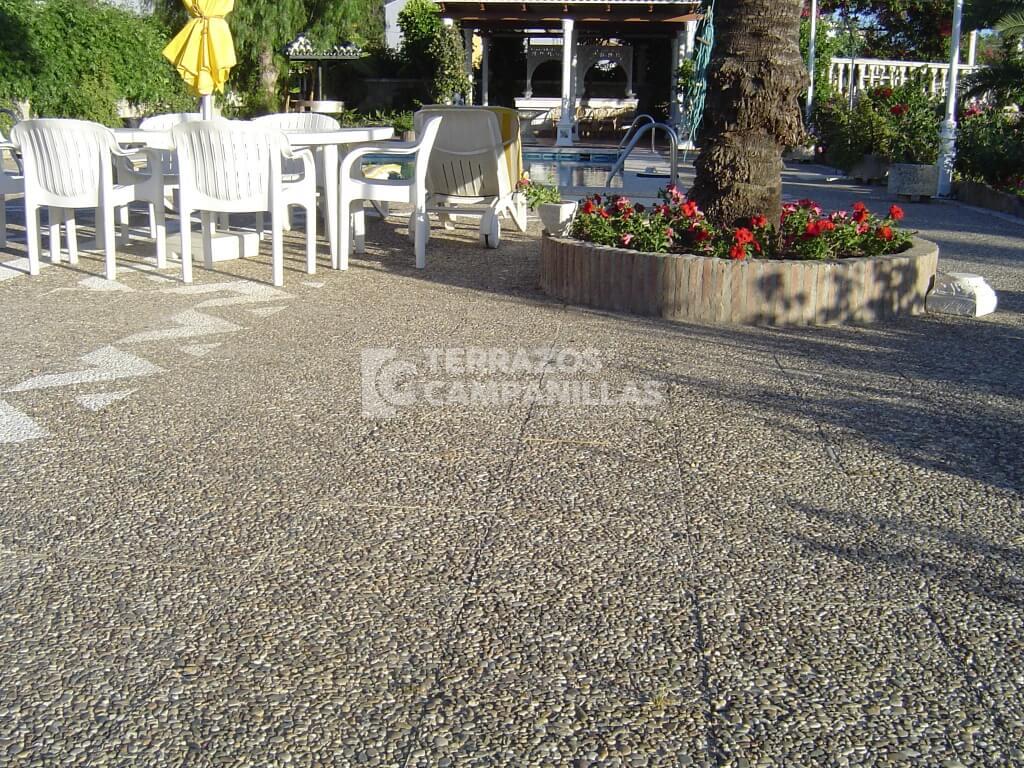 Terrazo exterior de chino lavado en campanillas for Terrazo exterior precios